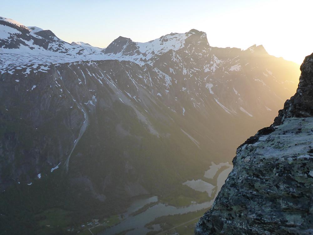 Uttopping! Stakkars dei som brukar kort tid på ruta og går glipp av solnedgangen!