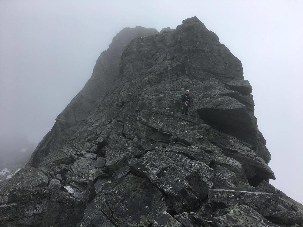 Andreas lurer på om han skal bli att her oppe.