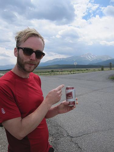 Dette er litt pussig: i Colorado er det mange oppoverbakkar. Det lokale ølet i Boulder heiter Upslope. Tilfeldig eller ikkje? ... Elbert i bakgrunnen.