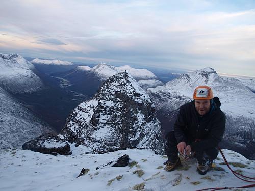 Meir finheit! Innerdalstårnet i bakgrunnen, og utsikt mot nordvest ut Innerdalen