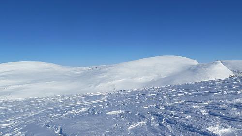 Frå Skarvedalseggen 1961 moh mot Gråhø, Søre Gråhøe og Gråhøe 2014 moh