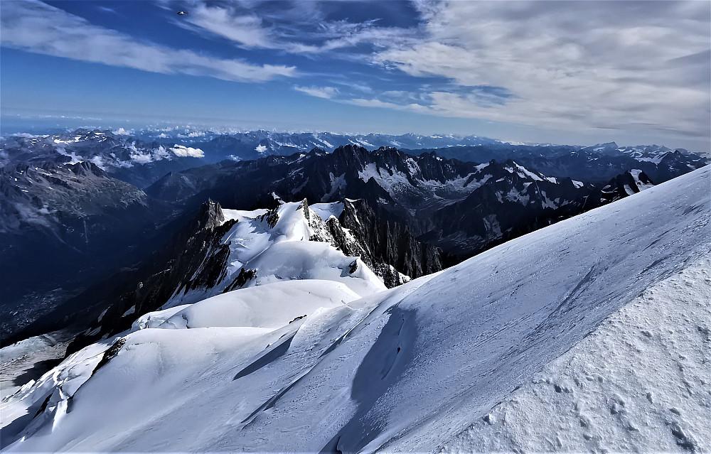 Skue mot Aiguille du Midi og den tenkte ruta vår mot Mont Blanc