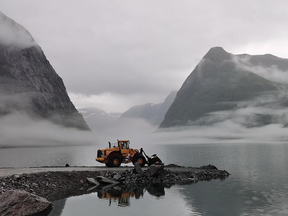 Eg er usikker på om det finnast ord!! Kjøsnesfjorden i Jølster