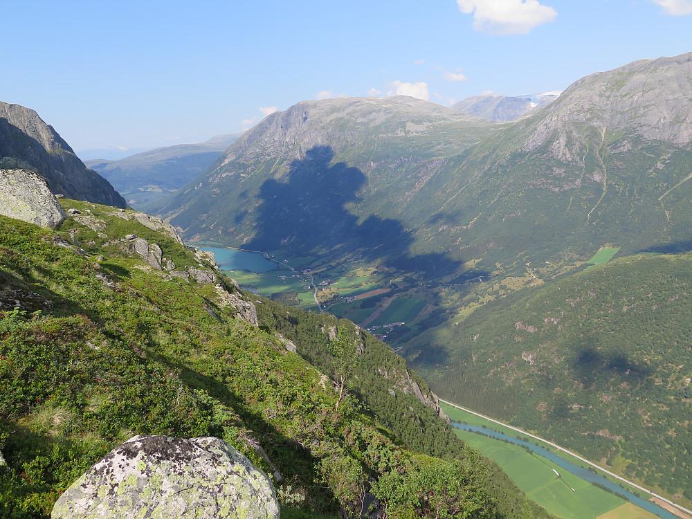Frå Blåfjell og ryggjen mot Daurmål og litt av Våtedalen
