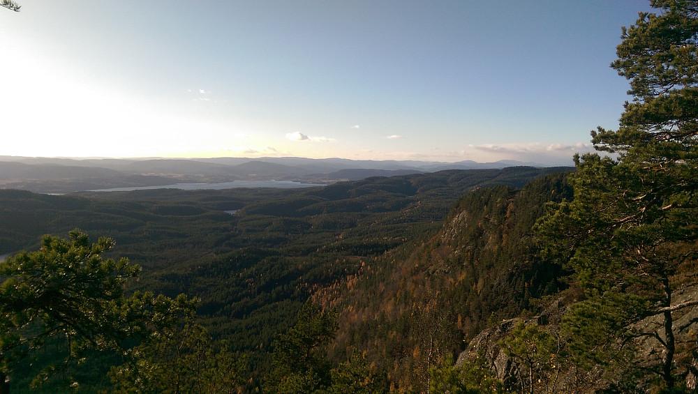 Fin utsikt fra kanten og sørvestover