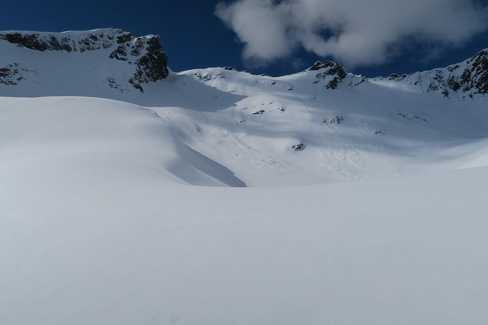 Oppstigning til Saudehornet til høyre brattkanten