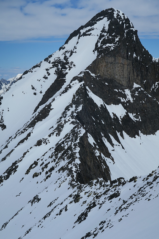 Snørenna under Hoemstinden for både oppstigning og nedkjøring
