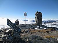 Dagens første topp var Haukberget, og deretter gikk jeg oppom alle småtopper bort til Baksidevassberget