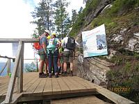 Nådde igjen en liten gruppe der klatringa startet, men de lot heldigvis meg gå først opp