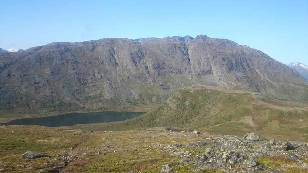 Utsikt over mot Knutshøe