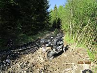 Selv om det var skiltet og merket opp her, var det umulig å ta seg frem på motorsykkelen og vanskelig også til fots