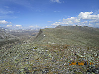 Tilbakeblikk bort på det høyeste punktet på Buahøin