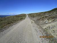 Sist jeg var her, var veien sterkt preget av vårløsningen, men nå var den skrapet og reparert