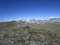 Toppen av Einøvlingshøe mot Einøvlingseggen til venstre i bildet