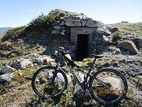På tur ned passerte jeg denne bunkeren som jeg ikke så på tur inn