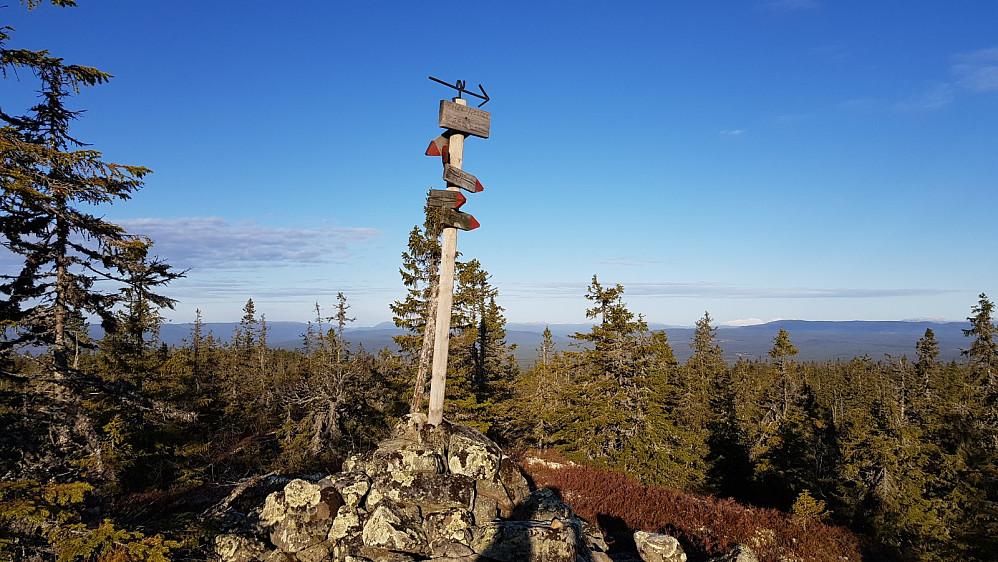 Markering på toppen av Tilsetfjellet