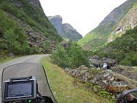 Høyere opp i dalen ble jeg møtt av fjellene