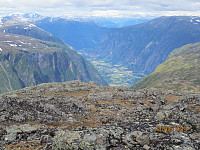 Utsikt ned mot Lærdal