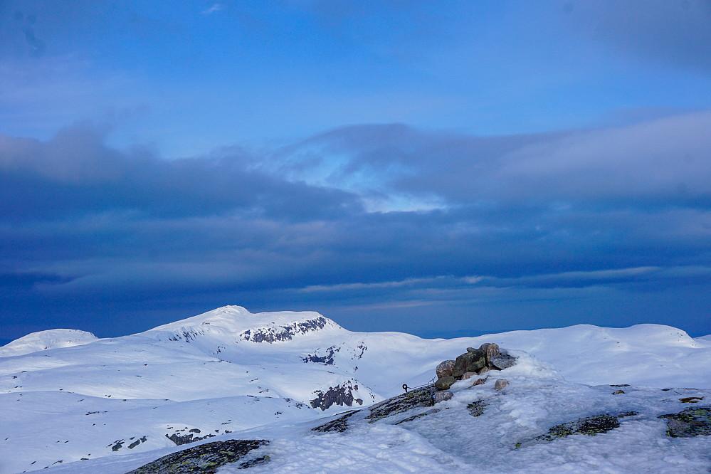 Øysteinnatten fra Nybufjellet, nordtoppen. Fra rekognoseringstur