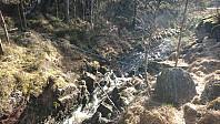 Utlagt tau for å krysse elven fra Fitjevatnet.