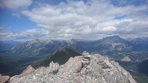 Utsikt nordover fra toppen (tilbake til gondolen).