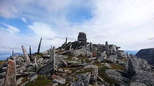 Toppen av Keipen, 916 moh. Fikk assosiasjoner til noe annet enn et topp punkt.