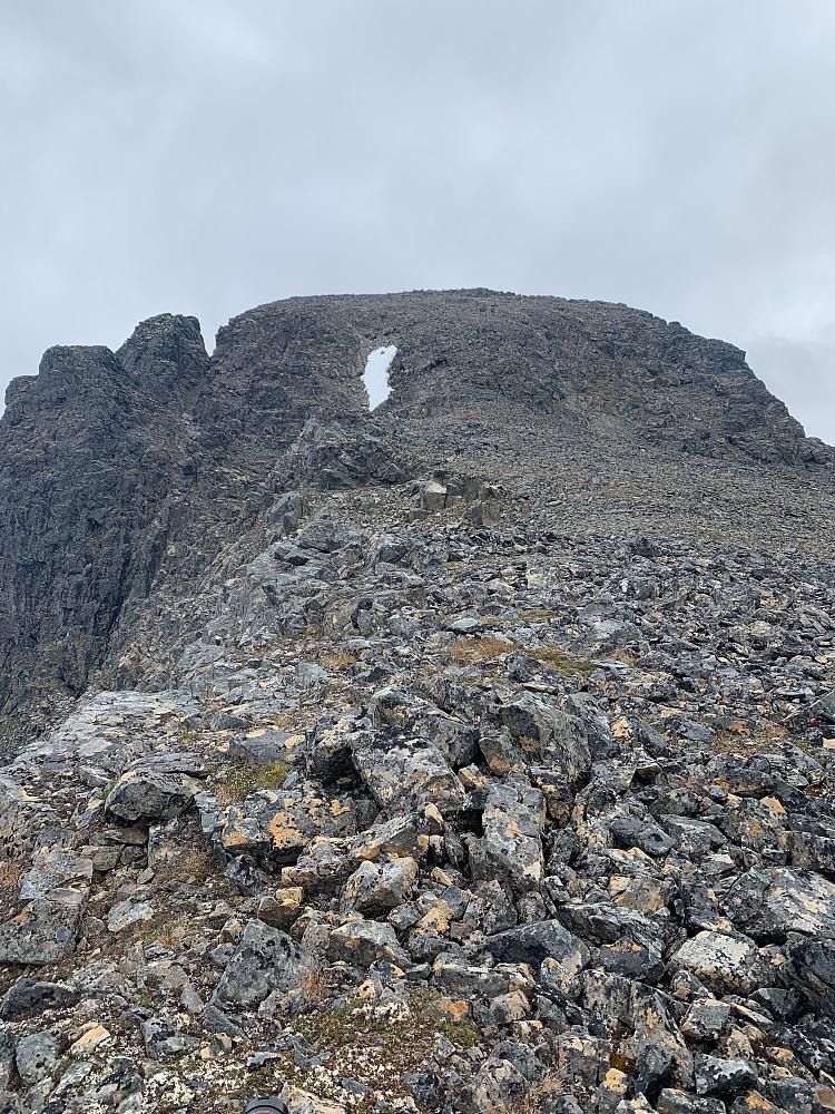 'Final ridge' seen from the 1000m pass