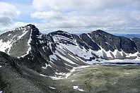 Utsikt vestover fra Steet 1996 moh. Fra venstre: Hoggbeitet(helt i venstre billedkant), Ljosåbelgen, Ljosåbelgen vest og Bråkdalsbelgen.