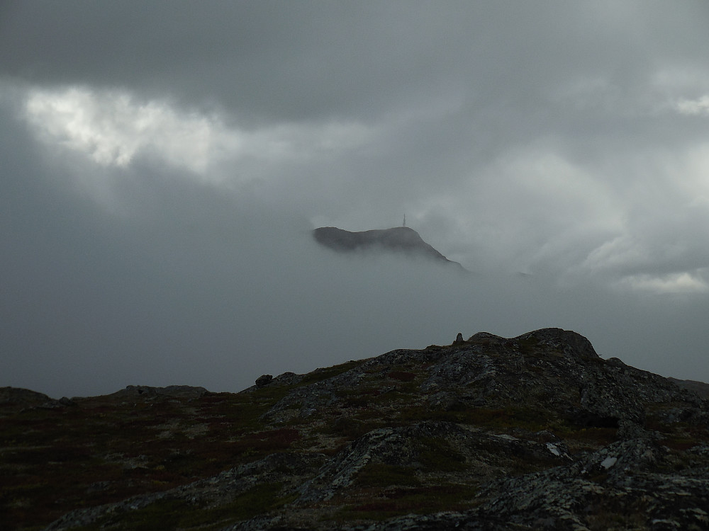 Et første glimt av Storhøe.