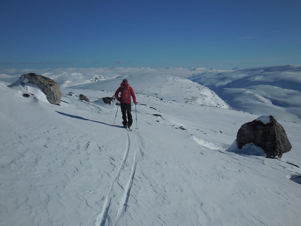 Med kurs mot Sør for Veltdalseggi.