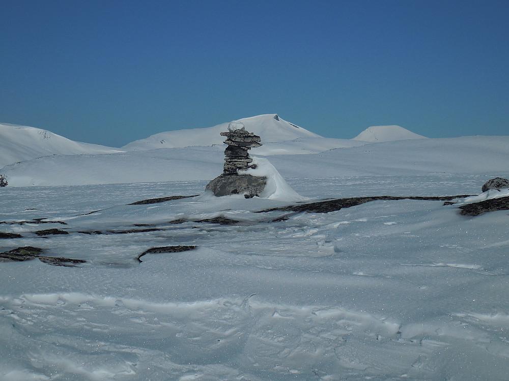 Fra toppen av Nordre Bolla, 1628 moh. mot Karitinden og Pyttegga.