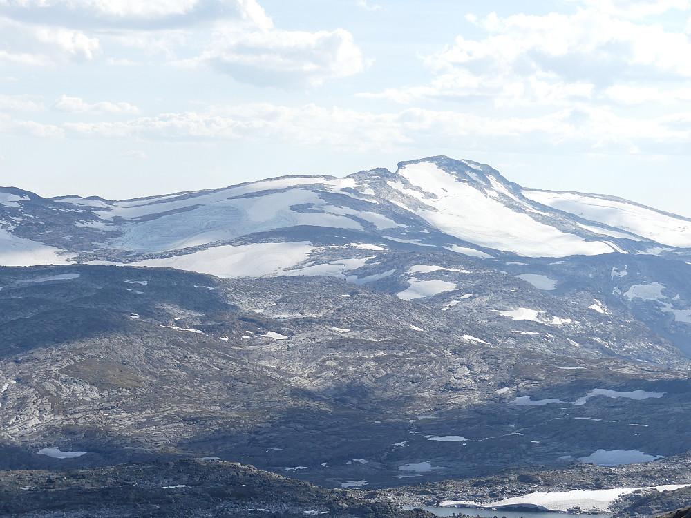 Storslått utsikt fra toppen; her mot Liabrekulen i sørvest.