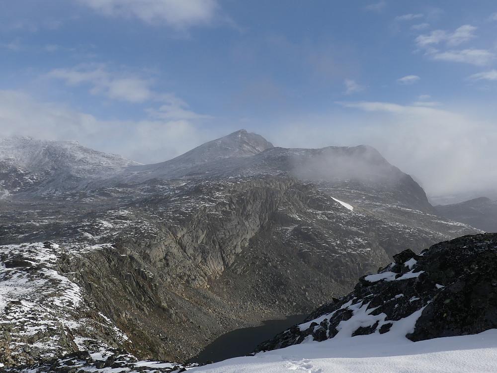 Hinnåtefjellet og Sør for Hinnåtefjellet.