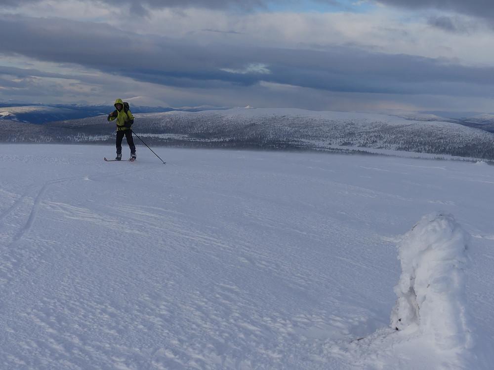 Turid til topps på Vamfjellet, 1055 moh.