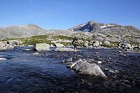 Kryssing av utløpet av Midtre Breivatnet