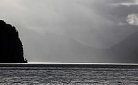 Nydelig lys over Hornindalsvatnet