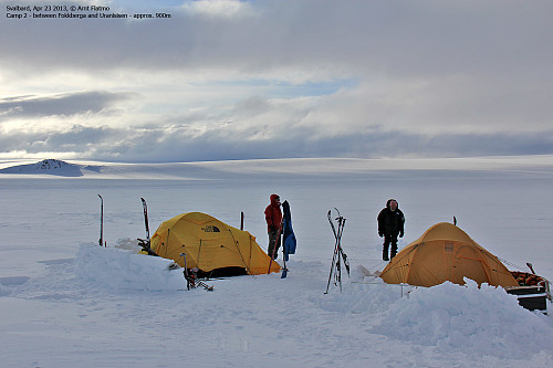 Camp 2 - vest for Uranusisen