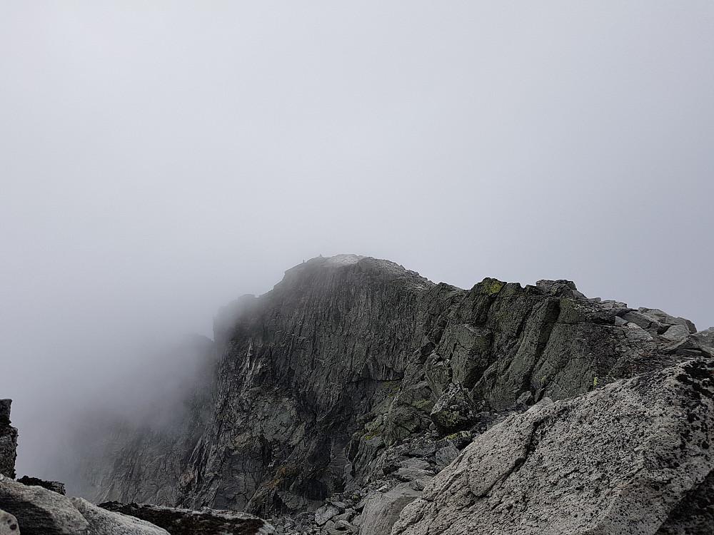 Der borte er Midttoppen på 2286 moh.
