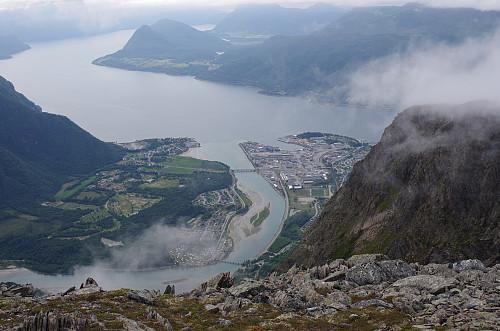 På vei ned mot Åndalsnes.