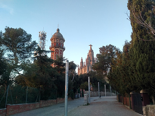 At the very summit of Mount Tibidabo is located a huge Church, with a huge Jesus on top, preventing you from reaching the summit proper, unless you want to enter the Church.