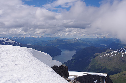 Utsikt mot indre Nordfjord.