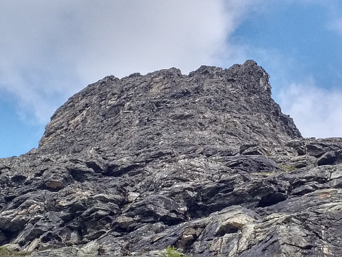 Image #3: Close-up on the south face of Mount Bispen. The trained eye may spot two other climbers (one in pink and one in turquoise) in the right upper part of the photo.