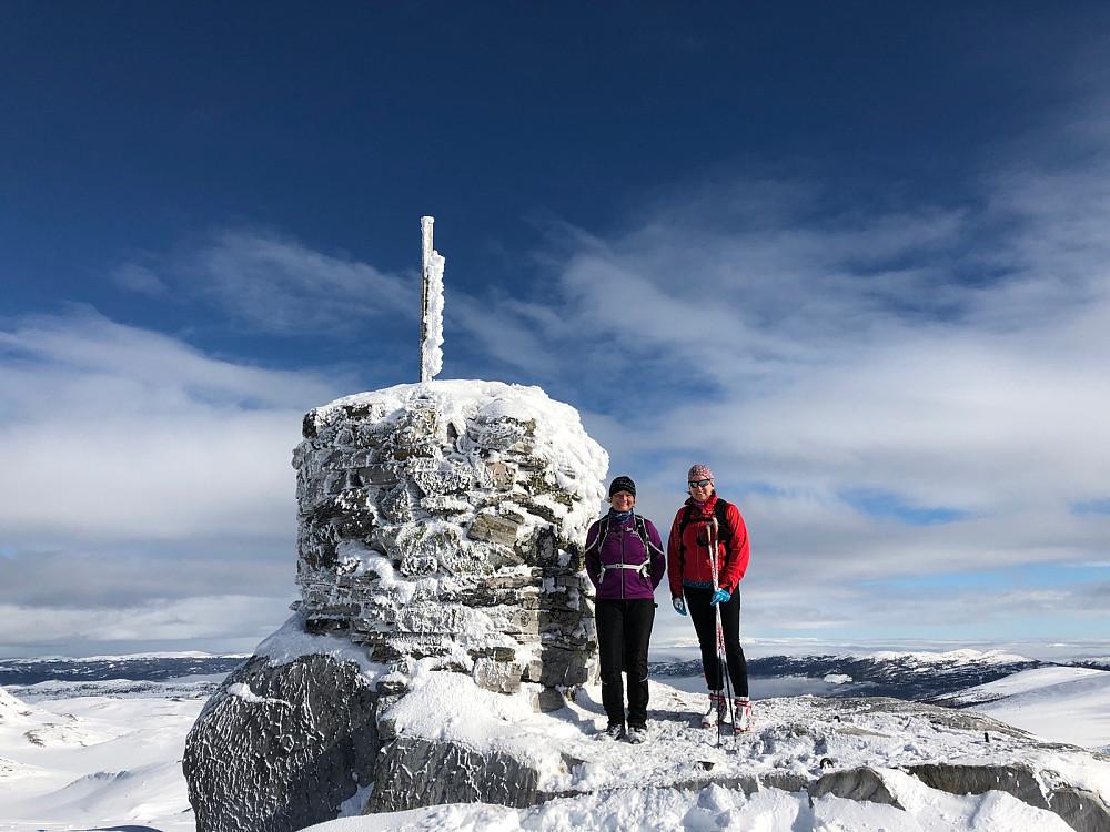 Sunniva og Ann Karin på toppen