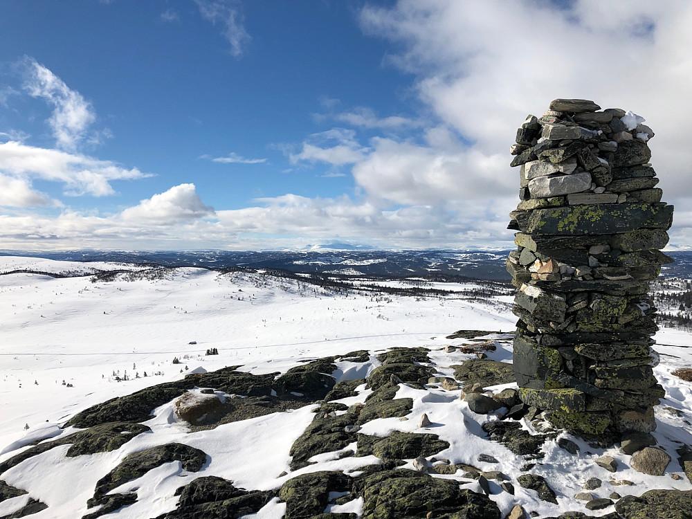 Trommenatten med utsikt nordvestover til Hallingskarvet