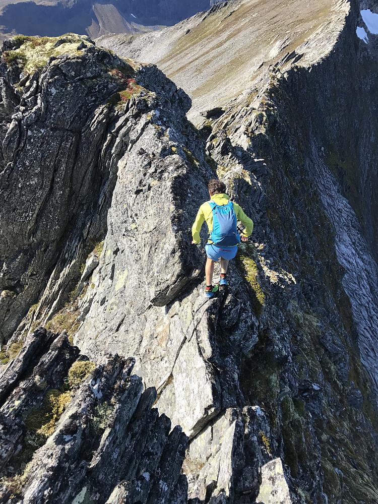 På vei mot Svartvasstind