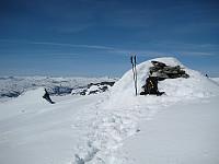 Toppvarden på Gravdalstinden. Søre Smørstabbtind til venstre