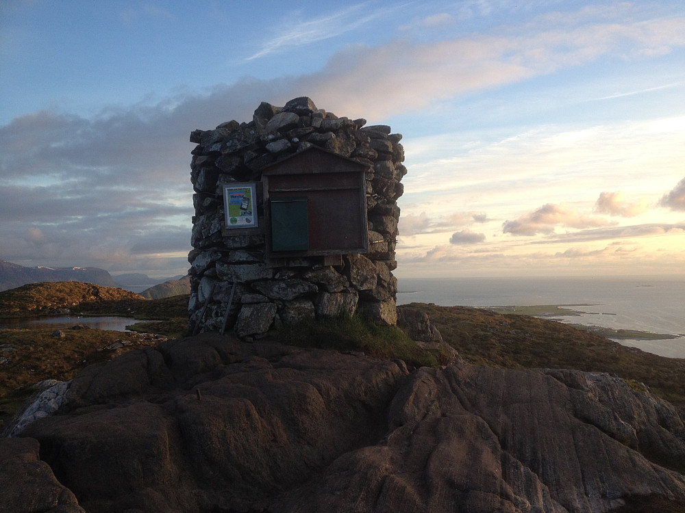 Hovedvarden på Signalen, Valderøy
