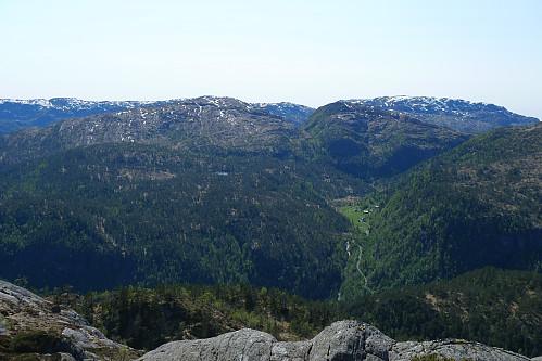 Mot Stussdalen med Steinhusfjellet og Gråsida 661 i bakgrunnen