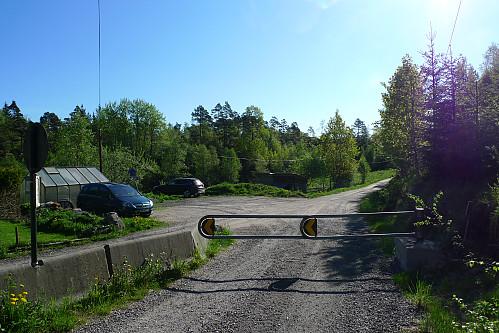 Parkeringsmulighet i utkanten av snuplassen ved Espestøl
