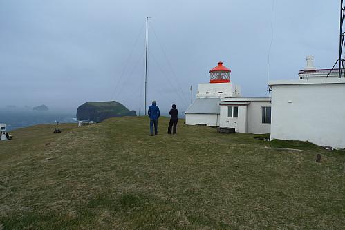 Aud og Lars på høyeste punkt på Stórhöfdi